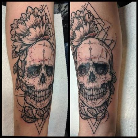 Tattoos - Bonnie Seeley Skull and Flower - 139939